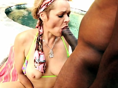 Busty Kelly Sucking Off boy friend Blboy friendck Dong